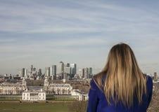 Парк Гринвича, канереечный причал и турист стоковые фотографии rf