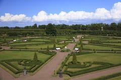 Парк дворца Constantine, Strelna ландшафта стоковая фотография