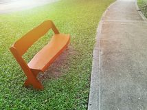 Парк деревянной скамьи публично Стоковое Фото