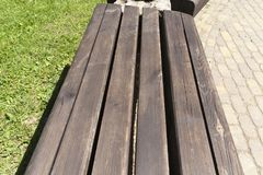Парк деревянной скамьи Стоковое Изображение RF
