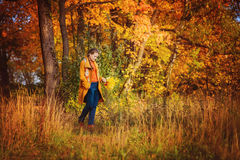 парк девушки осени красивейший Стоковая Фотография RF