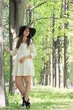 Парк женщины весной Стоковые Фотографии RF