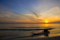 Парк каяка морем на восходе солнца Стоковая Фотография RF