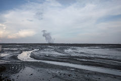 Парк консервации озера земл ландшафта сухой Отказы текстурируют белую черноту Никто фото Поле фонтана гейзера вертикально Стоковые Изображения
