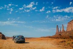 Парк Навахо долины Ðœonument племенной Путешествовать через пустыню автомобилем Стоковое Изображение
