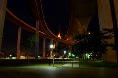 Парк под скоростным шоссе Стоковая Фотография RF