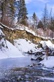 Парк промоины заводи мельницы в зиме стоковые фото