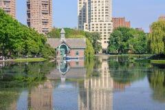 парк США york разбивочного центрального открытия dana charles новый Центр открытия Даны - Central Park, Нью-Йорк Стоковое Фото