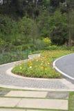 Парк цветника и переулка весной Стоковое Изображение RF