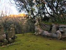 Парк чудовищ, священная роща, сад Bomarzo Львы и гарпия, алхимия стоковая фотография rf