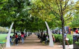 Парк Klyde Уоррена, тележки еды Далласа Стоковое Изображение