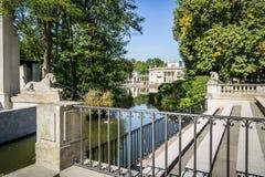 Парк Lazienki, дворец на воде в Варшаве, Польше Стоковое Изображение RF