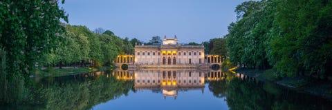 Парк Lazienki в Варшаве, Польше Стоковые Фотографии RF