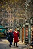 Парк NYC Bryant покупателей праздника Стоковая Фотография