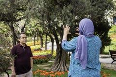 Парк Shariati, пара принимая фотоснимок мобильным телефоном Стоковое фото RF