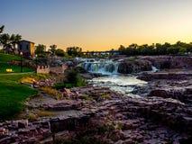 Парк Sioux Falls на сумраке стоковая фотография