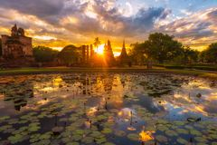 Парк Sukhothai исторический, старый городок Таиланда в 800 год тому назад в Sukhothai Кингдом Оф Тюаиланд Стоковые Изображения RF