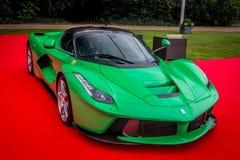 Парк Syon, выставка автомобиля Ferarri спорт Prive салона Лондона супер, Zonda, BMW, изогнуто, Bugatti, Lister, лотос, альфа стоковые фото