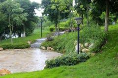 Парк Yuanboyuan в дожде Стоковые Фото