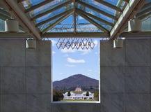 парламент дома Австралии мемориальный к войне Стоковая Фотография