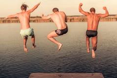 Парни на море Стоковое Фото