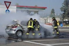 Паровозные машинисты туша пожар автомобиля Стоковая Фотография