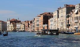 Паром в Венеции, Италии стоковые фото