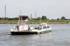 Паром над рекой Waal стоковые изображения rf