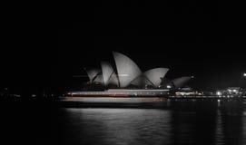 Паром оперного театра Сиднея Стоковые Изображения