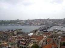 паром istanbul моста bosphorus проходя индюка Стоковое Фото