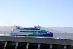 Паром San Francisco Bay, обслуживание пассажирского парома Стоковая Фотография RF