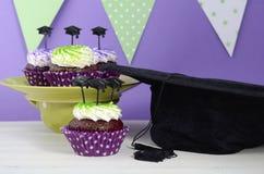 Партия выпускного дня зеленая и фиолетовая Стоковая Фотография