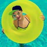 Партия девушки очарования горячая в бассейне Стоковое фото RF