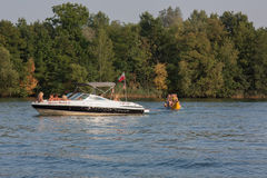 Партия праздника на озере Стоковое фото RF