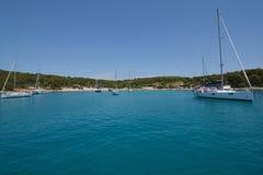 Парусники около острова Хорватии Hvar Стоковая Фотография