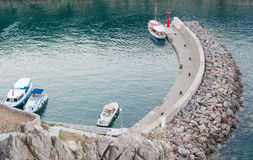 Парусники причаливая в малой гавани в Средиземном море Стоковая Фотография