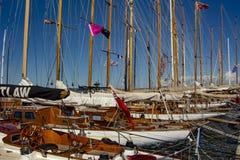 Парусник в гавани St Tropez стоковые изображения rf