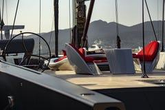 Парусник в гавани St Tropez стоковые фотографии rf