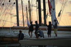 Парусник в заливе St Tropez стоковые фото