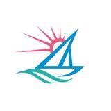 Парусник - иллюстрация концепции шаблона логотипа вектора Знак корабля Символ яхты Лучи Солнця и волны воды Перемещение океана мо иллюстрация вектора