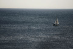 Парусник на море, Llafranc, Каталония, Испания Стоковое Фото