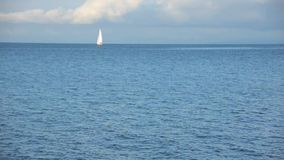 Парусник на озере Женев сток-видео