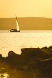 Парусник на озере Стоковая Фотография RF