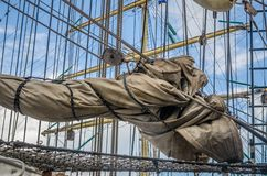 Парусное судно рангоута историческое, конец-вверх стоковые изображения rf