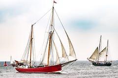Парусные судна на море корабль высокорослый Плавающ на яхте и плавающ перемещение Стоковая Фотография RF