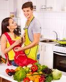 Пары варя на кухне. Стоковое фото RF