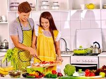 Пары варя на кухне Стоковая Фотография RF