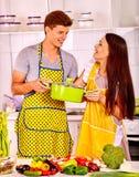 Пары варя на кухне Стоковые Фото