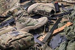 Пары воинских ботинок Стоковые Изображения