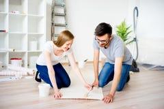 Пары восстанавливая квартиру Стоковое фото RF